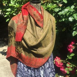 Accessories - 🌹 Red and Gold Pashmina Scarf / Shawl 🌹